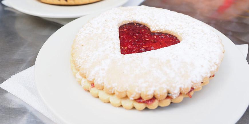 Especial San Valentín: galletas de corazón con mermelada
