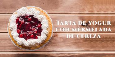 Receta: Tarta de yogur con mermelada de cereza (sin horno)
